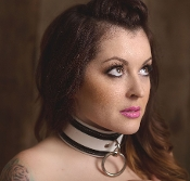 EXTREME PREMIUM LEATHER BONDAGE COLLAR BLACK AND WHITE